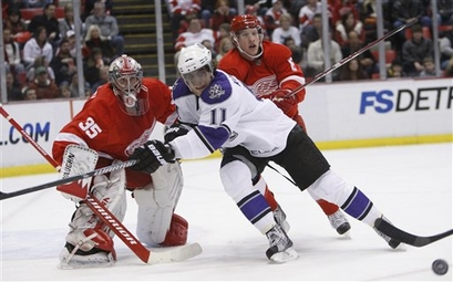 capt.ccd2f75e52234e0481ef65518881deda.kings_red_wings_hockey_mico102