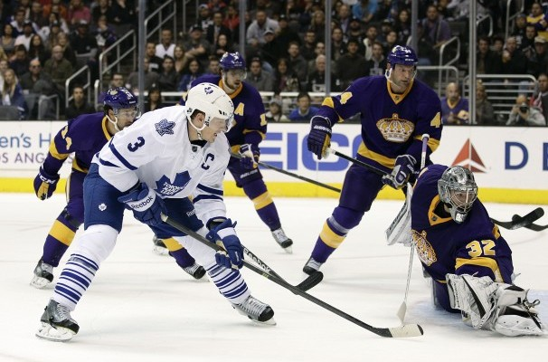 Dion Phaneuf leads Maple Leafs over LA Kings - The Royal Half