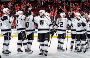 kings beat hawks in game 2