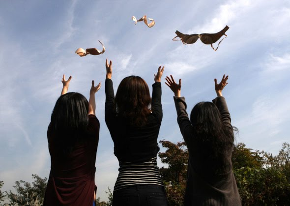 korean-women-throwing-their-bras-in-the-air