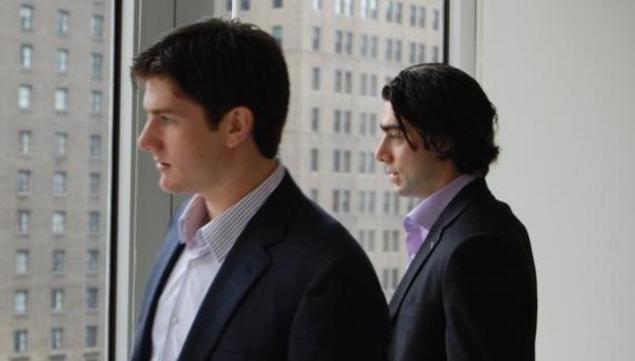 Jonathan_Quick_Matt_Moulson_NHLOffices_20112