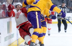 Braden McNabb hipcheck Kings win 1-0 over Red Wings