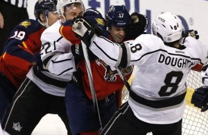 Kings drop third straight to Panthers