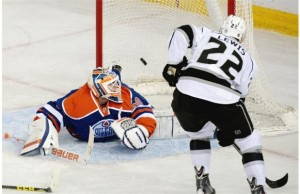 Trevor Lewis leads LA Kings over Oilers