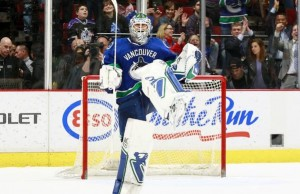 Eddie Lack Canucks beat Kings 2-1 4.6.2015